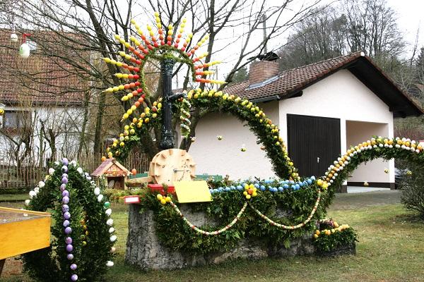 Osterbrunnen in Engelhardsberg in der Fränkischen Schweiz