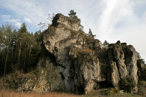 Kletterer in einer Felsenwand im Paradiestal
